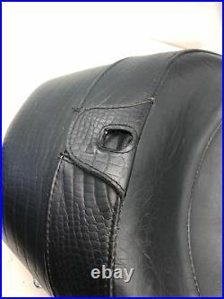 Corbin Solo Seat Backrest Passenger Pillion Harley-Davidson Touring Street Glide