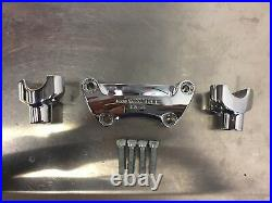 Harley Riser & Top Clamp Removed From Dyna Street Bob 55900025 56541-86A K105